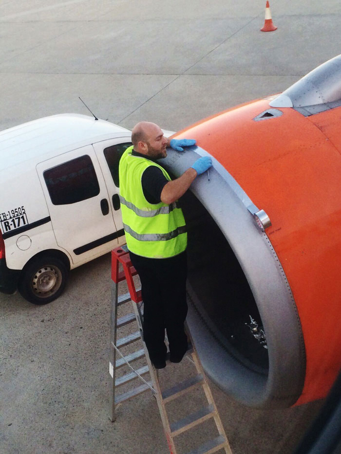 airplane_duct_tape_1