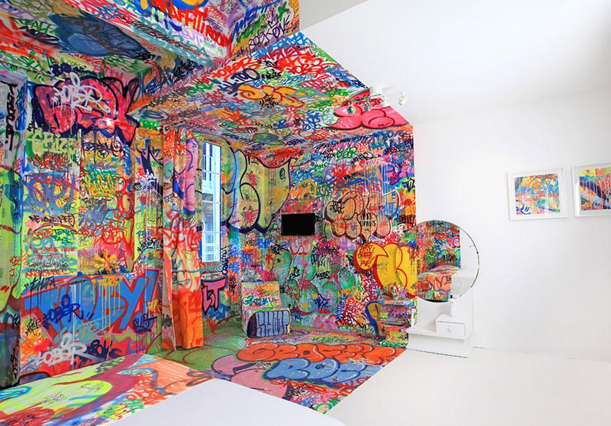 half_graffiti_room_france_21_2
