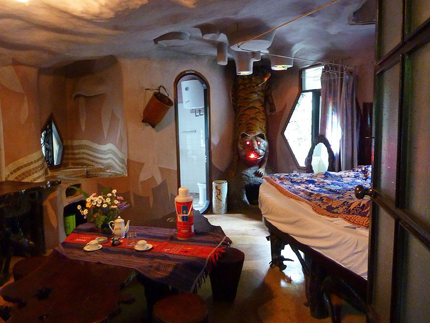 hang_nga_guesthouse_vietnam_19_2