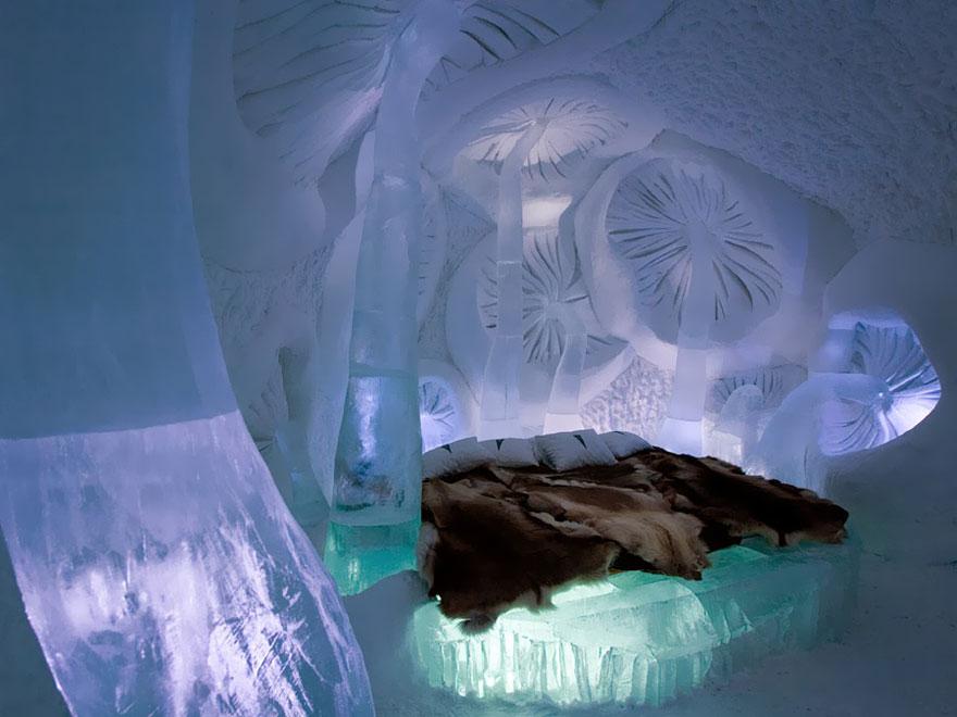 ice_hotel_in_jukkasjarvi_sweden_10_1