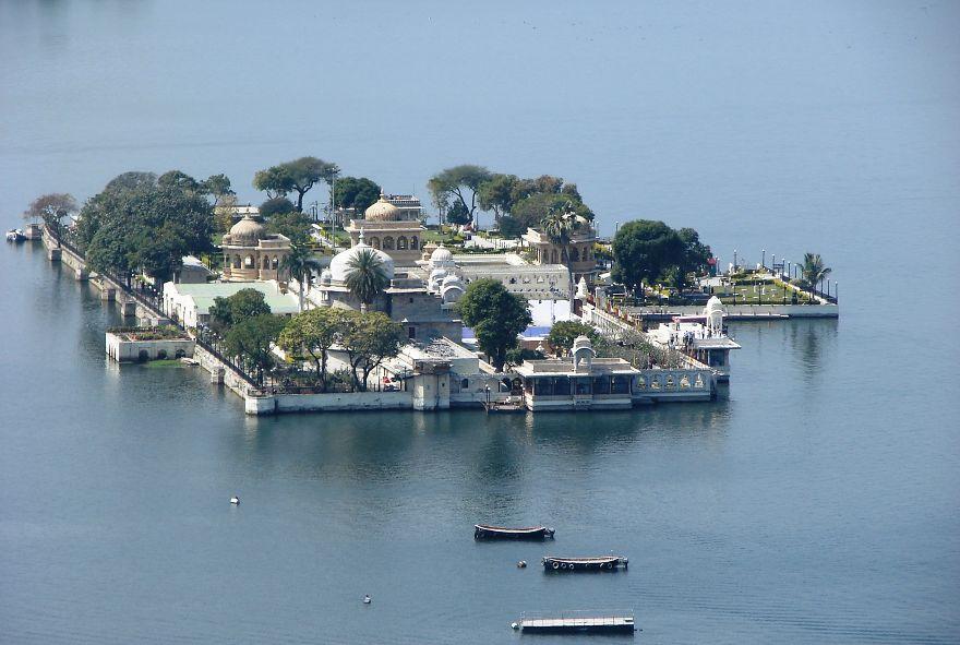 lake_palace_of_India_27_1