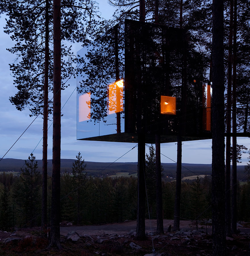 mirrorcube_tree_house_hotel_in_sweden_11