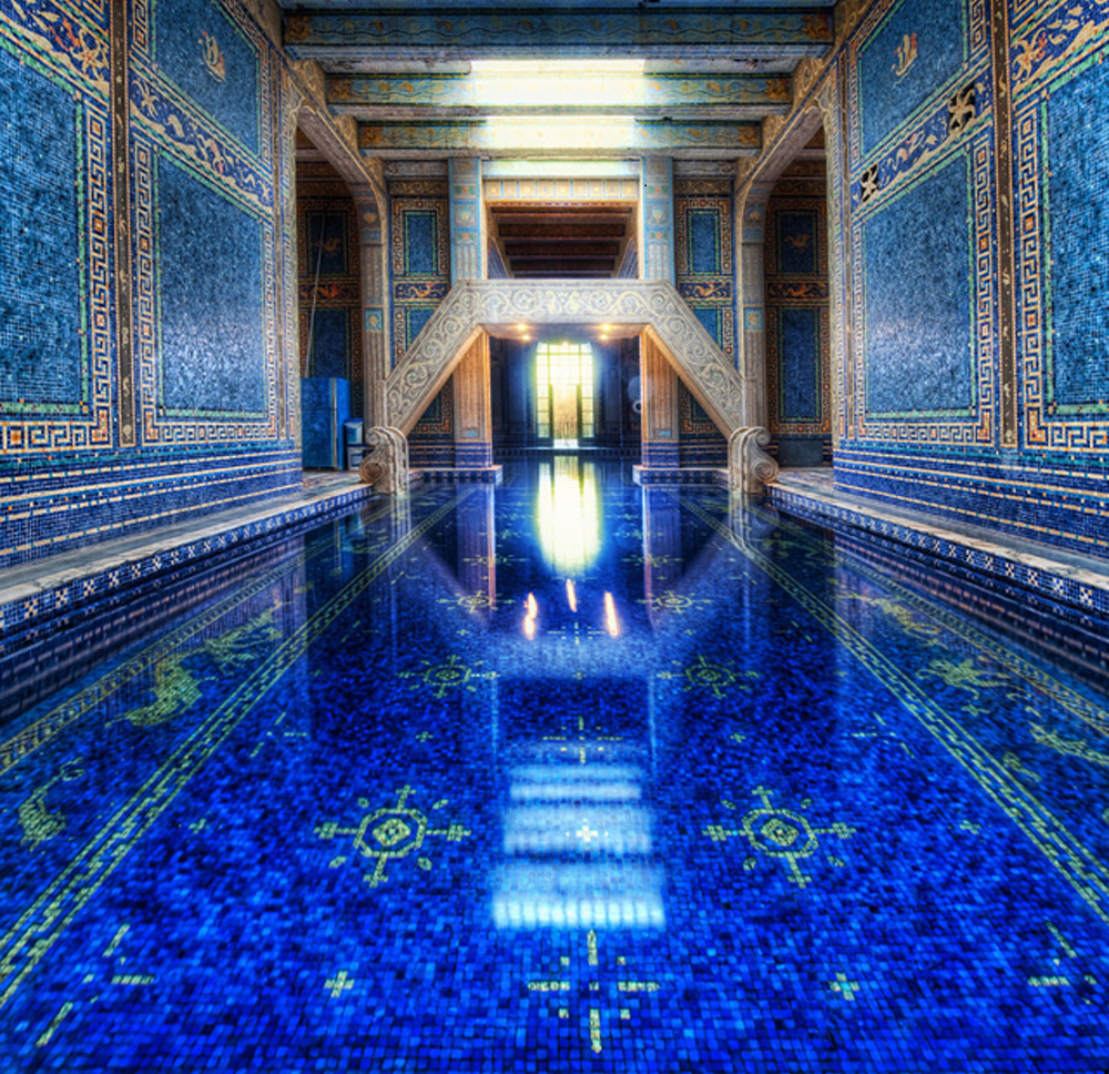 hearst_castle_in_california_azure_blue_pool_2
