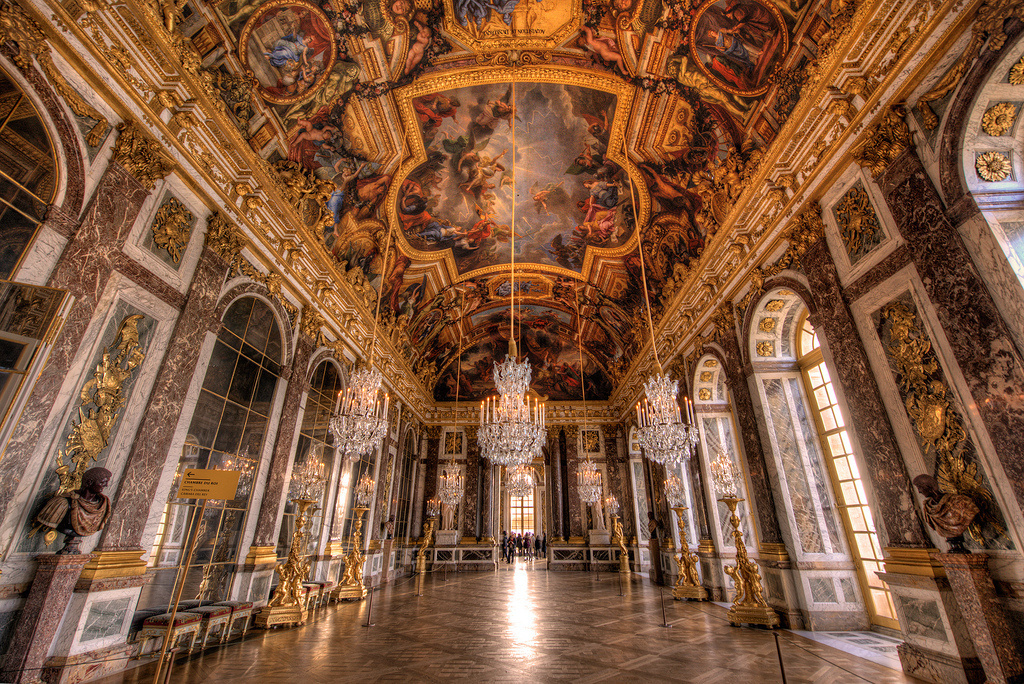 versailles_iconic_hall_of_mirrors_5