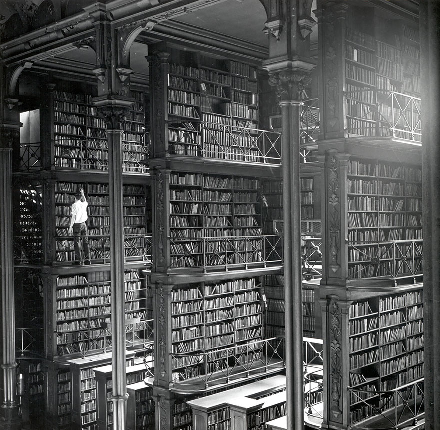of_the_most_majestic_libraries_in_the_world_15_1