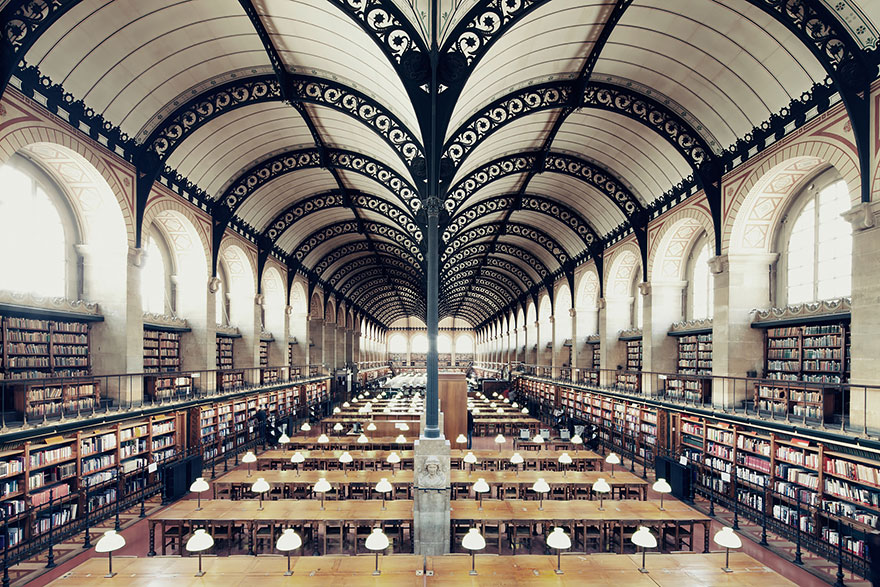 of_the_most_majestic_libraries_in_the_world_16