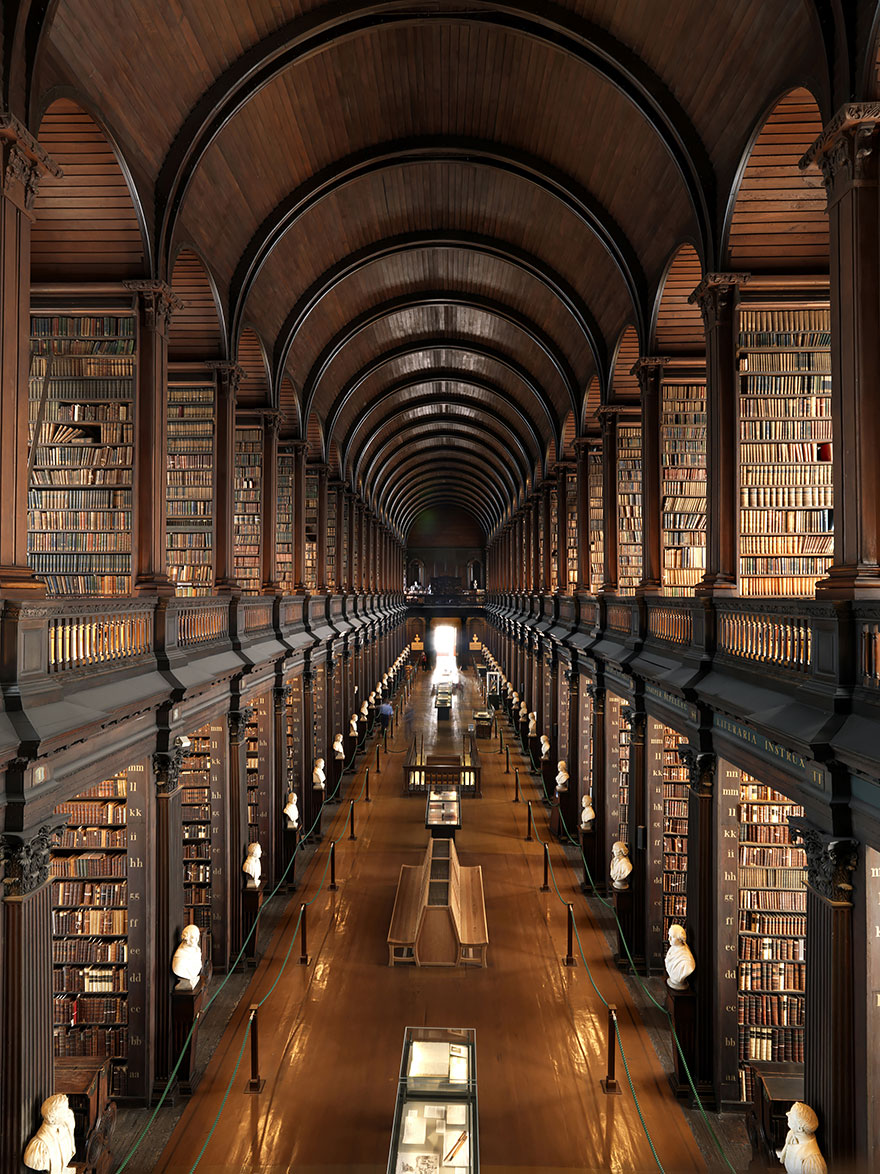of_the_most_majestic_libraries_in_the_world_2