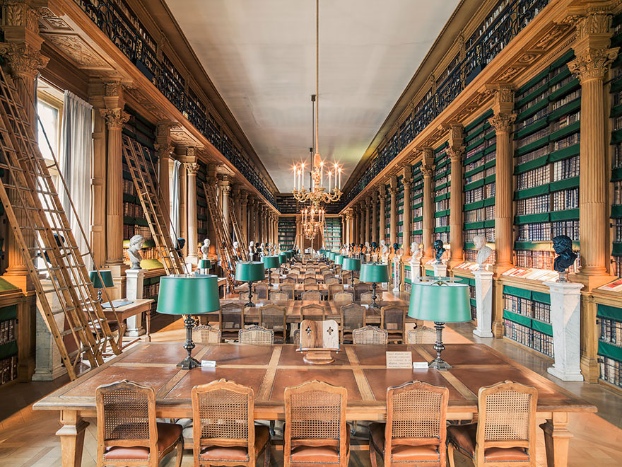 of_the_most_majestic_libraries_in_the_world_20