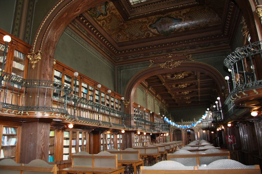 of_the_most_majestic_libraries_in_the_world_23
