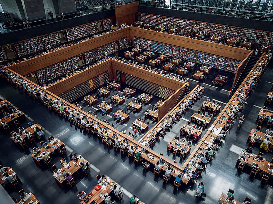of_the_most_majestic_libraries_in_the_world_25