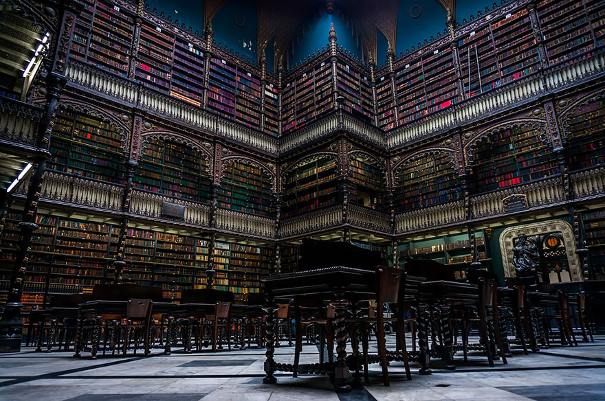 of_the_most_majestic_libraries_in_the_world_3_1