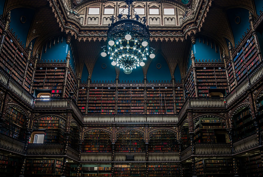 of_the_most_majestic_libraries_in_the_world_3_2