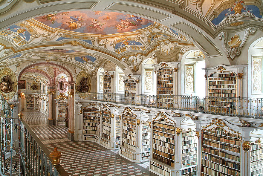 of_the_most_majestic_libraries_in_the_world_4