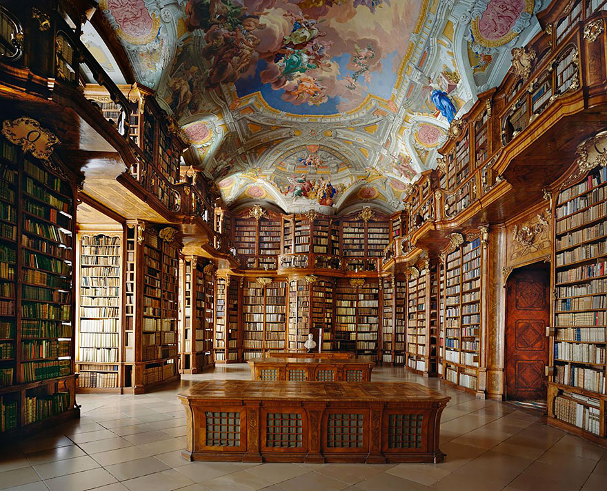 of_the_most_majestic_libraries_in_the_world_6_2