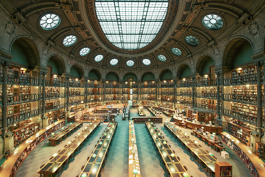 of_the_most_majestic_libraries_in_the_world_7