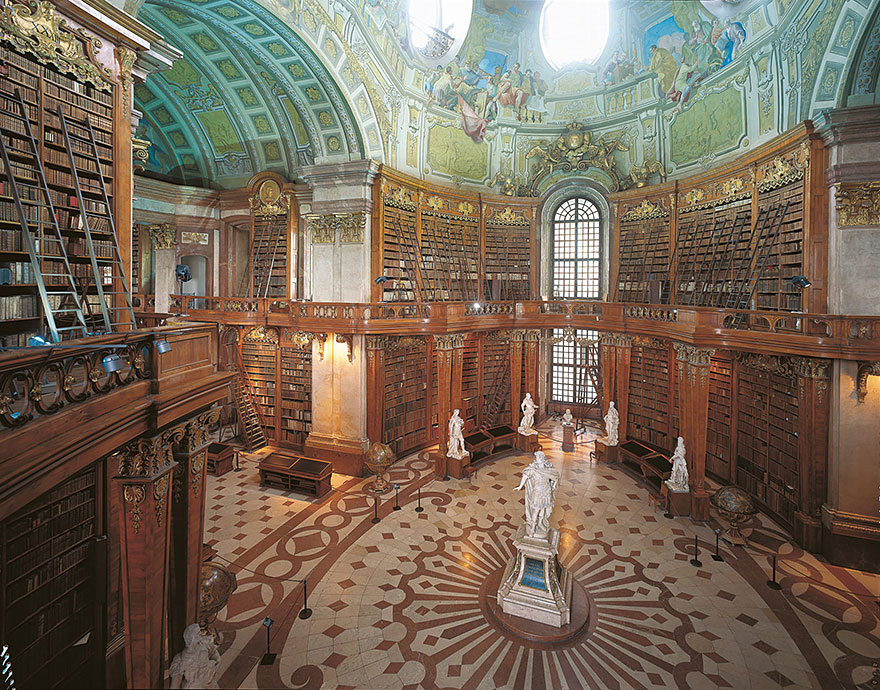 of_the_most_majestic_libraries_in_the_world_9