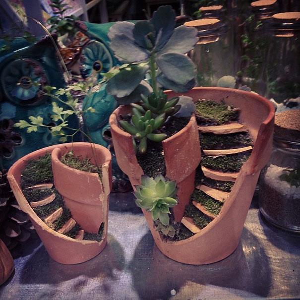 broken_pot_fairy_garden_1