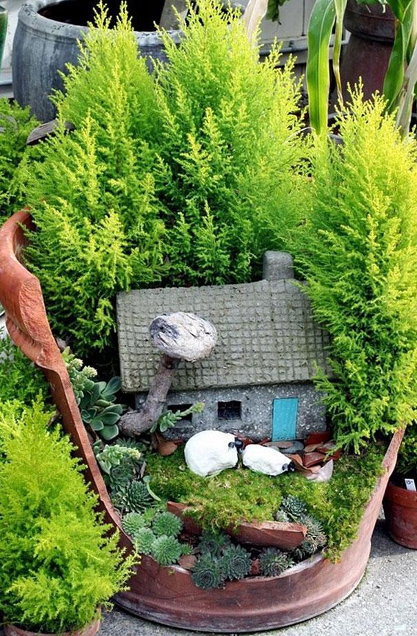 broken_pot_fairy_garden_11