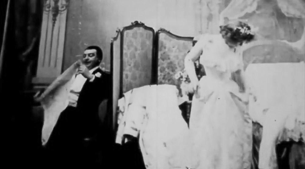 მარია ძილისთვის ემზადება, საფრანგეთი, 1896 წელი. პირველი პორნოგრაფიული ფილმი კინემატოგრაფის ისტორიაში