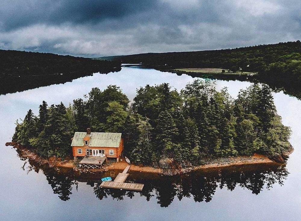 თანამედროვე რობინზონის საცხოვრებელი: საკუთარი სახლი, საკუთარი ტყე და საკუთარი კუნძული